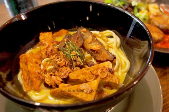 Shakahari-Too-Vegetarian-Restaurant-Rocks-6