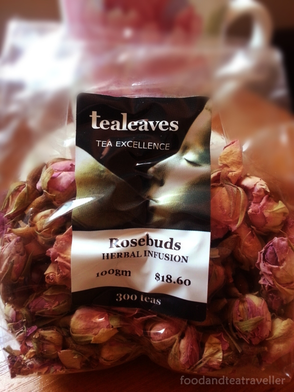 Strawberry-&-Champagne-Rosebuds-Tea-1