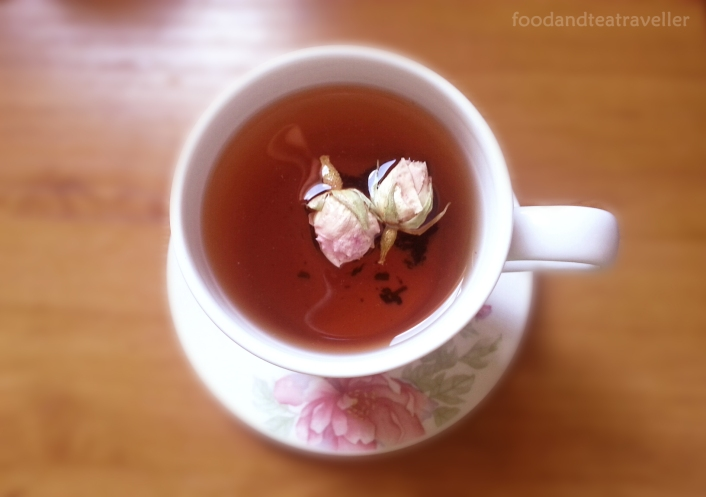 Strawberry-&-Champagne-Rosebuds-Tea-2